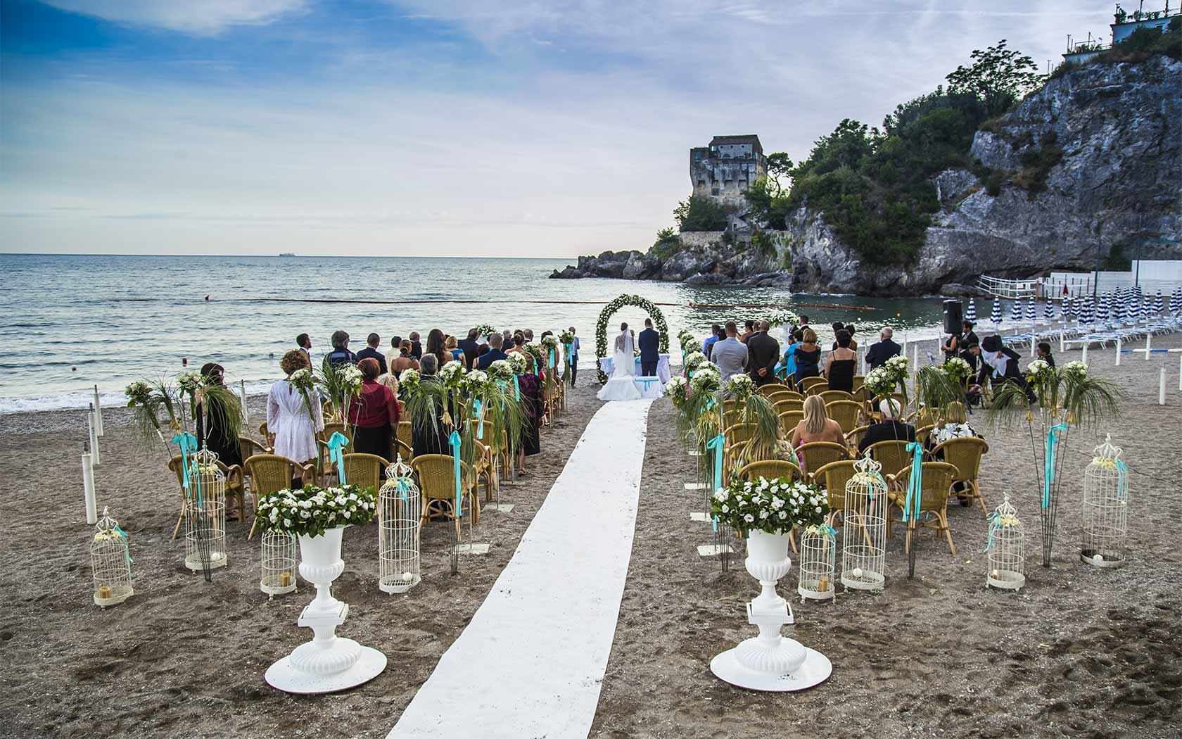 Foto Matrimonio Spiaggia : Matrimoni costiera amalfitana cerimonia di nozze sul mare