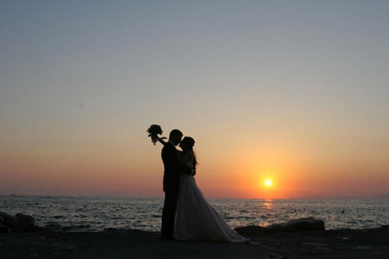 matrimonio in spiaggia-tramonto