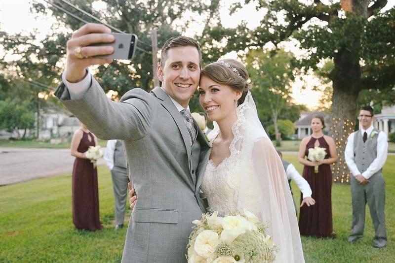 matrimonio spiaggia-selfie
